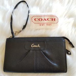 COACH Black Leather Clutch Wristlet Wallet